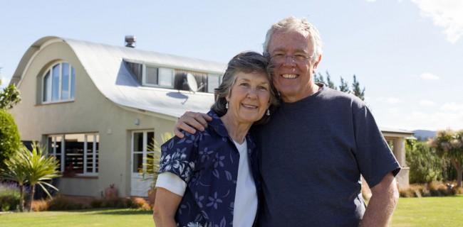 Straw Lodge Marlborough Accommodation Barry and Trudy