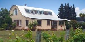 Straw Lodge Marlborough Accommodation Lodge